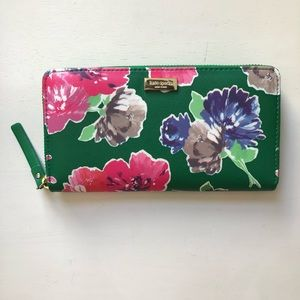 NEW Kate Spade Zippered Wallet